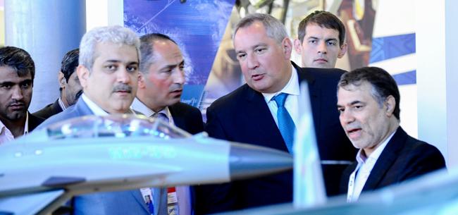 Сурне Саттари, Дмитрий Рогозин на МАКС-2015. Фото: Дарья Антонова ИА REGNUM