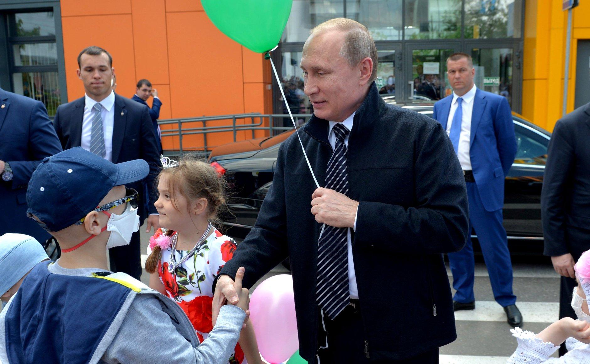 путин посетил: