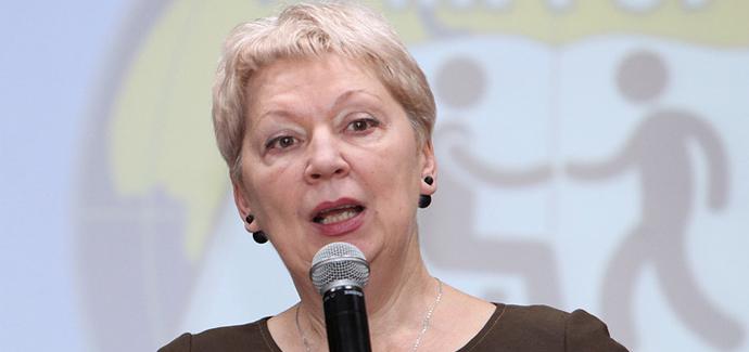 Бесполитик: Министр Ольга Васильева – за возврат к лучшим традициям советской школы